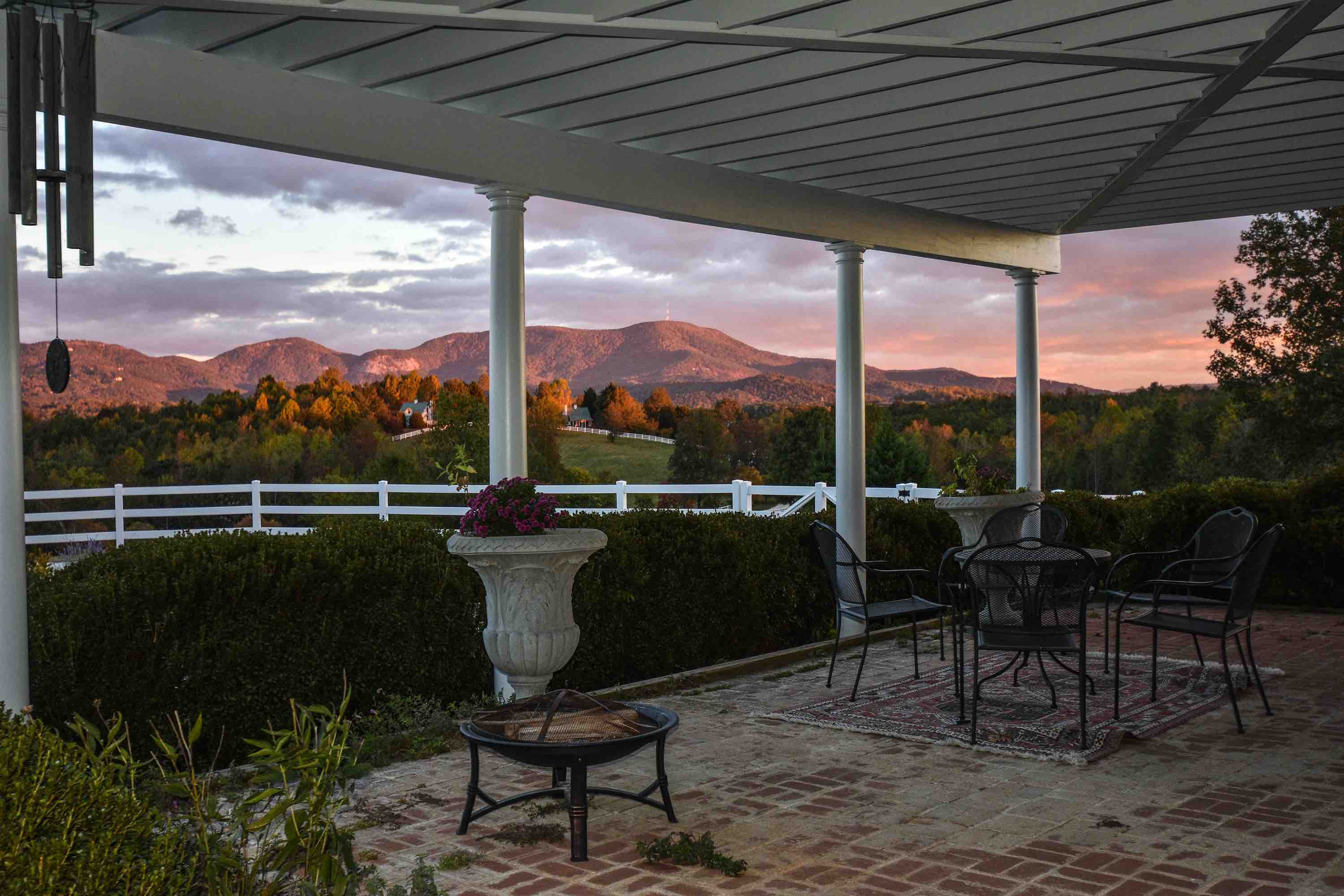 Landrum Sc Wedding Venue In The Mountains The Red Horse Inn